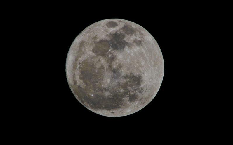 full-moon-jan-26-2013-9-54pm_01-jpg