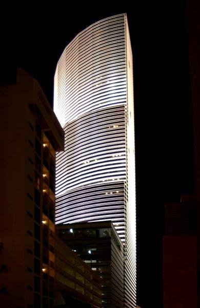 white-building_01-jpg